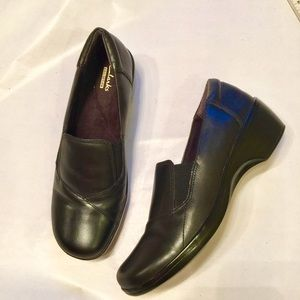 Clarks shoes slip on leather